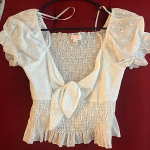 White doily peasant Top! NWOT!